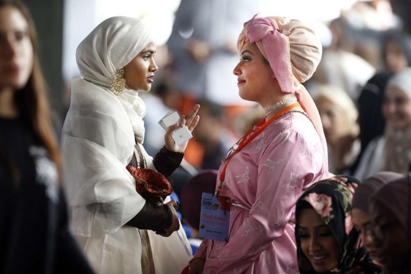 Modern Head Coverings on Display at Istanbul's International Modest Fashion Shows